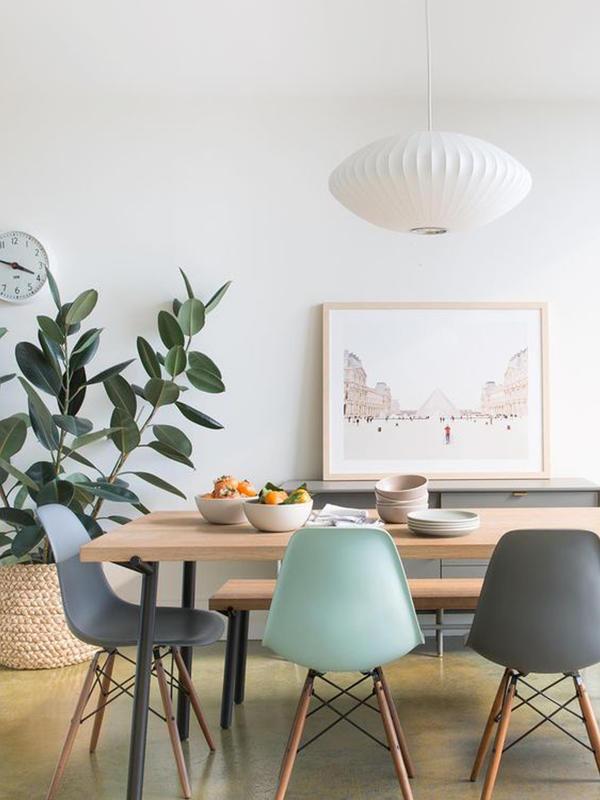Comment reconnaître une chaise Eames originale d\'une copie ? - BrocaBlog