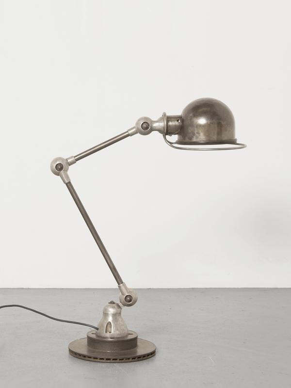 la lampe jieldé : histoire d'une lampe d'atelier devenue culte