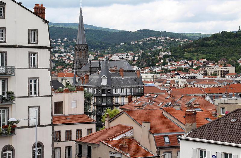 Vue sur la place de la Poterne à Clermont-Ferrand