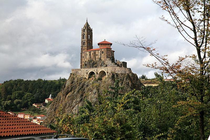 Vue de Saint-Michel d'Aiguille depuis le Puy-en-Velay