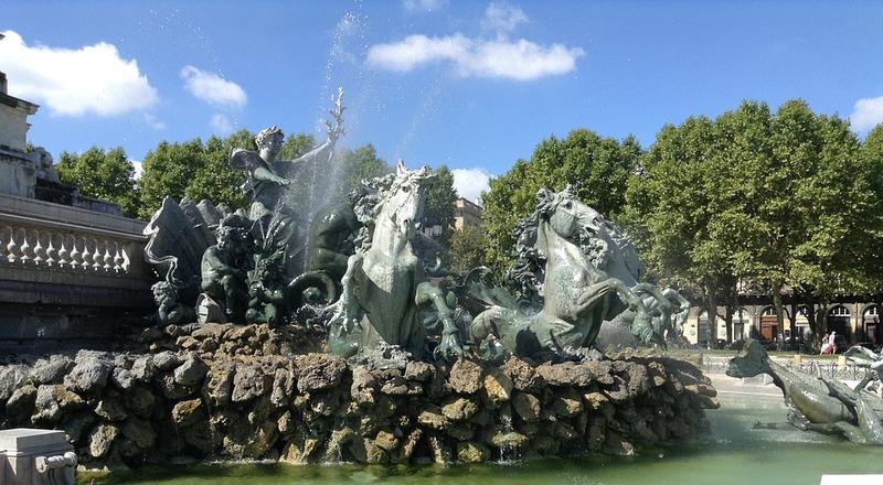 La fontaine de la Place des Quinconces à Bordeaux