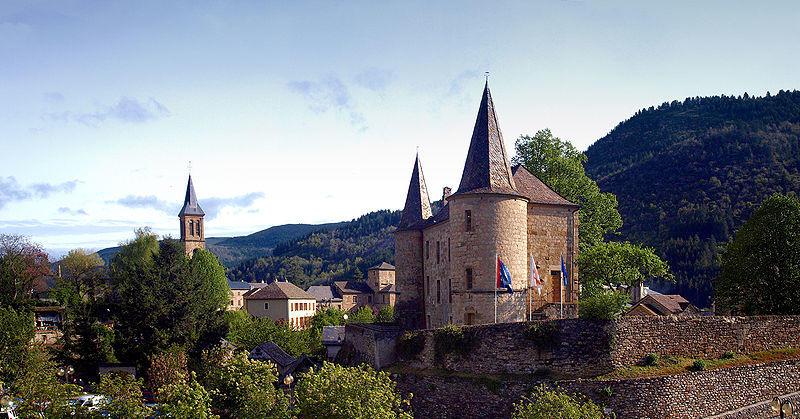 Château de l'église dans la ville de Florac