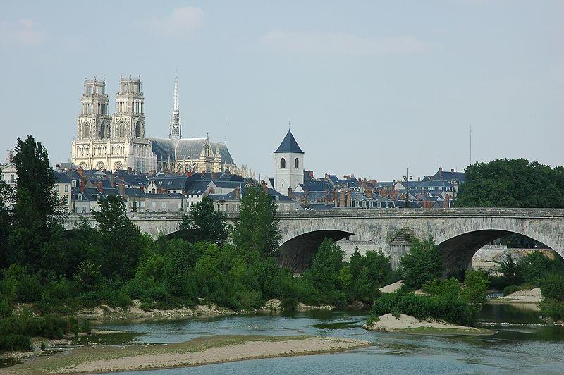 Vue panoramique sur la Cathédrale d'Orléans