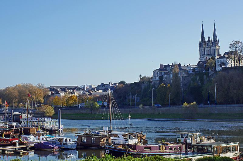 La Cale de la Savatte, Port fluvial d'Angers