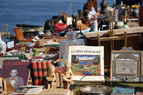 Brocante dans la ville de Montsoreau