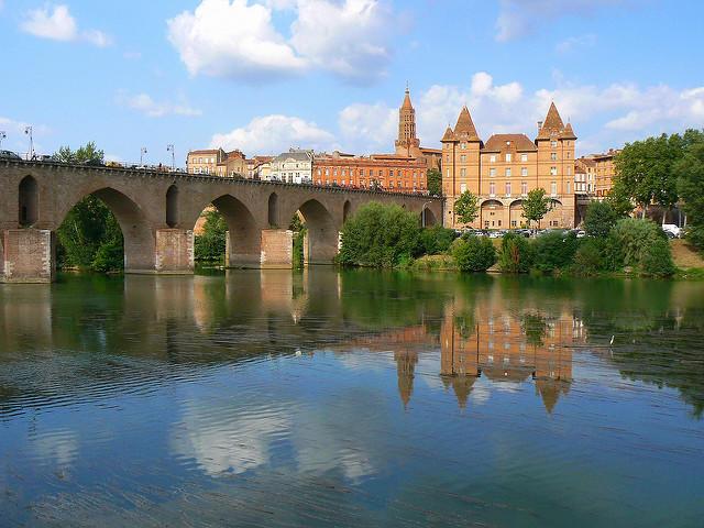 Le musée Ingres, le pont Vieux et l'église Saint Jacques à Montaudan