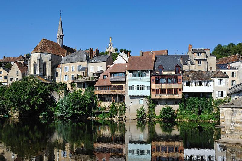 Maisons suspendues à Argenton-sur-Creuse